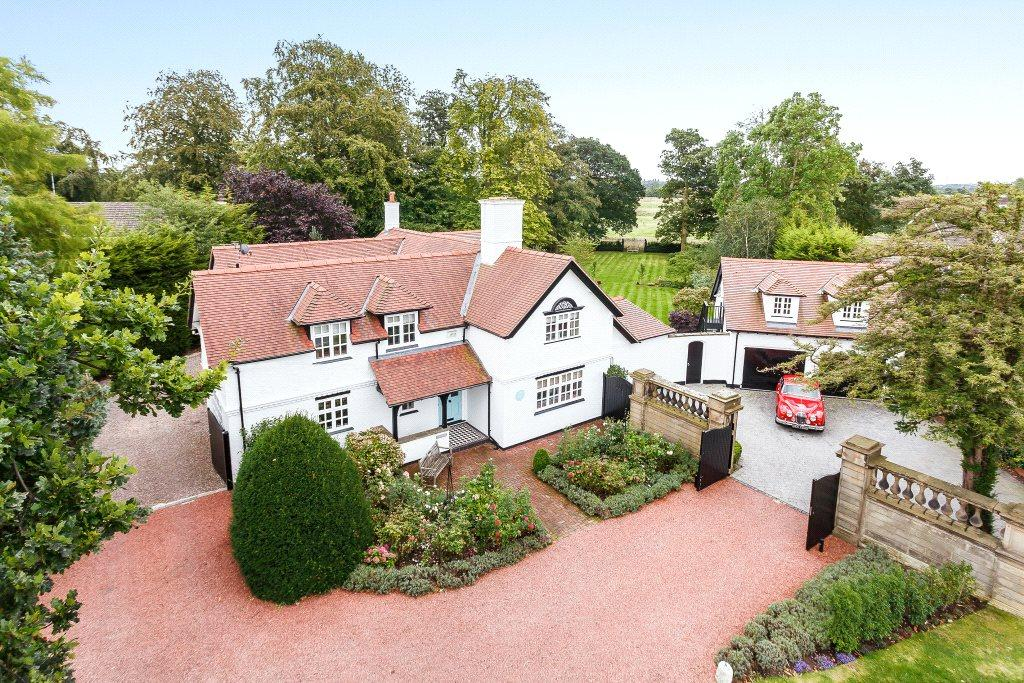 5 Bedrooms Detached House for sale in Well Lane, Mollington, Chester, CH1