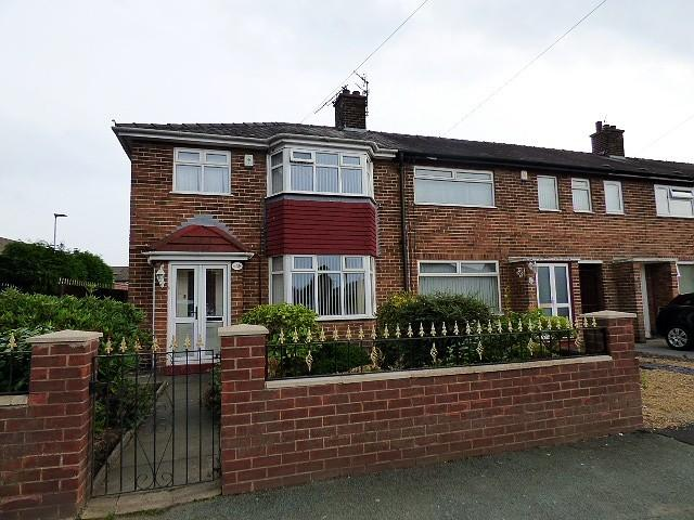 3 Bedrooms Town House for sale in Windermere Avenue, Orford, Warrington