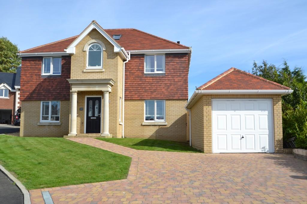 4 Bedrooms Detached House for sale in Magnolia Drive, Ryde