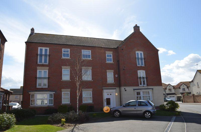 2 Bedrooms Apartment Flat for sale in Greenfinch Crescent, Witham St Hughs, Lincoln