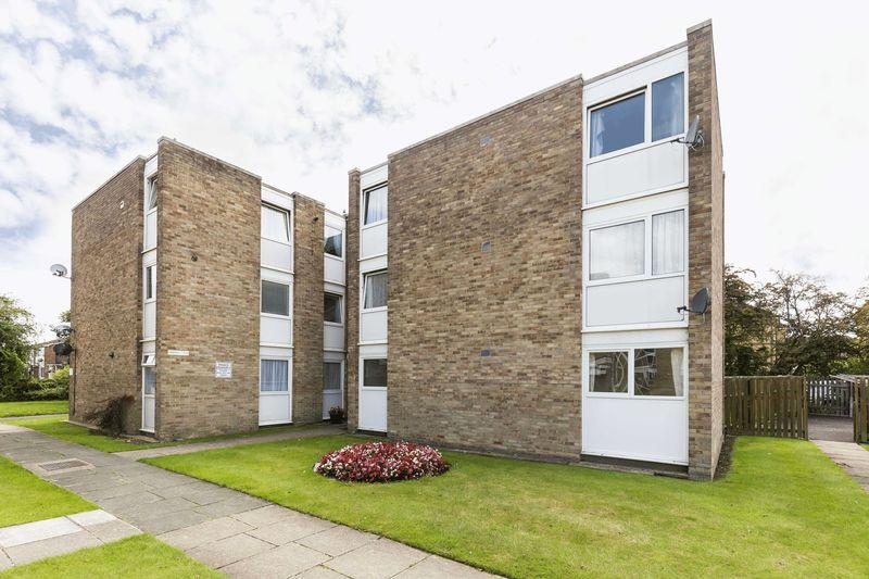 2 Bedrooms Apartment Flat for sale in Watermead Road, Portsmouth