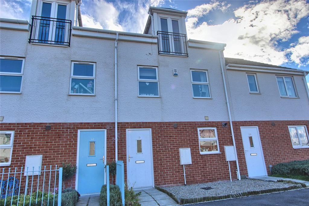 3 Bedrooms Terraced House for sale in Kildale Court, North Ormesby