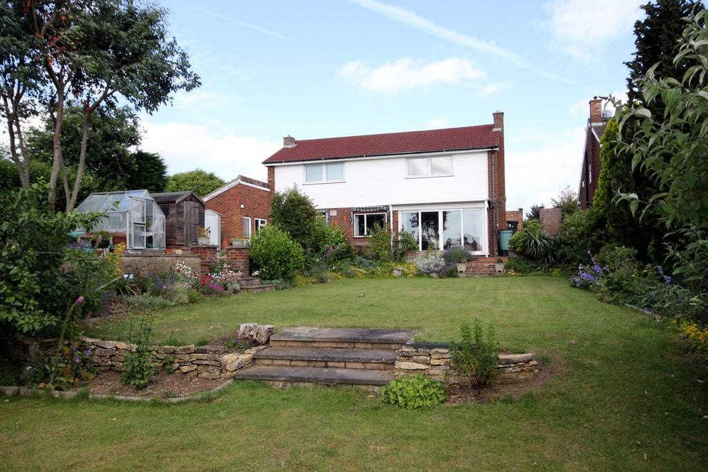 4 Bedrooms Detached House for sale in Langford Road, HENLOW, SG16