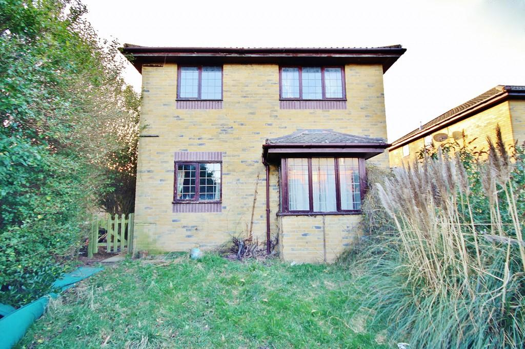 4 Bedrooms Detached House for sale in The Swallows, Kirby Drive, Peacehaven, BN10