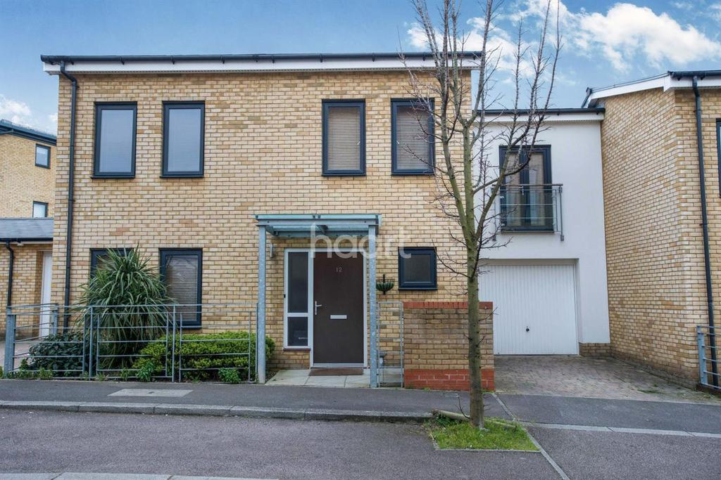 3 Bedrooms Semi Detached House for sale in The Rise, Waterstone Park