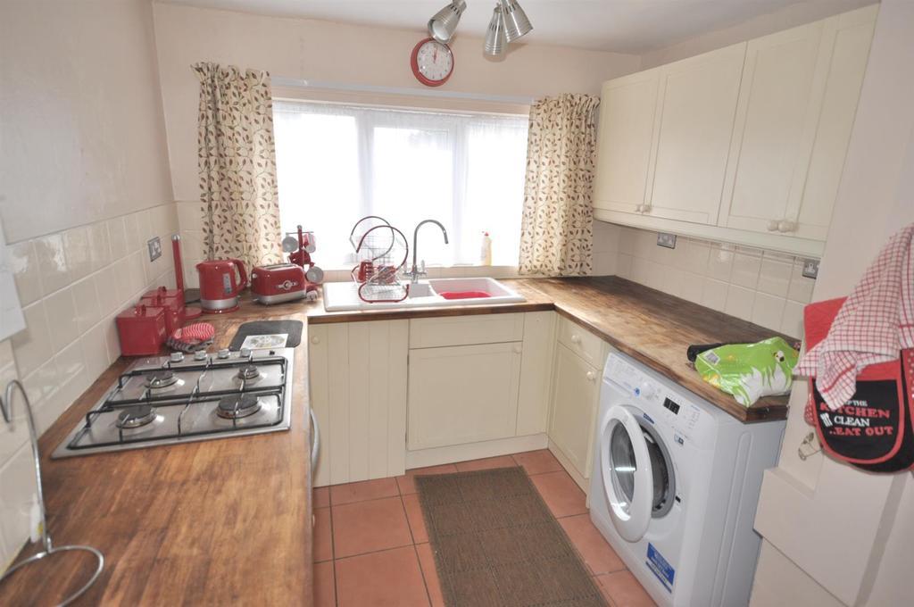 Image 3 of 13: Kitchen