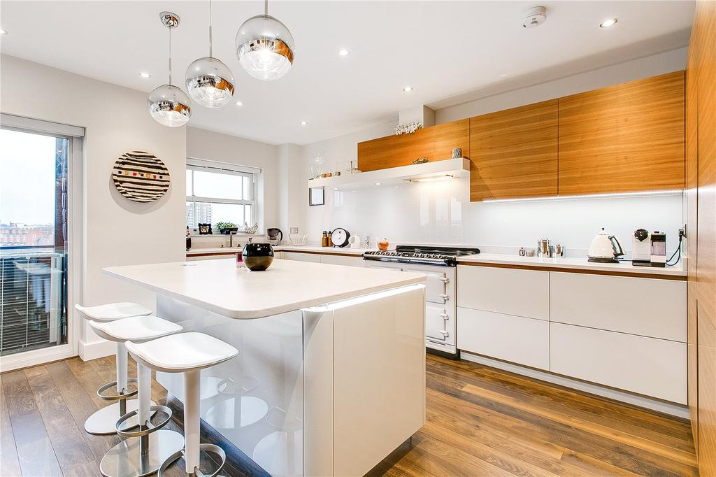 2 Bedrooms Flat for sale in Wyatt Drive, Barnes Waterside, London