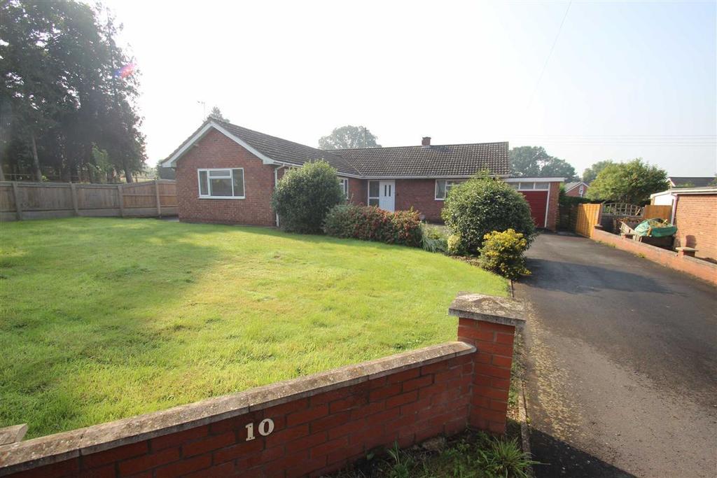 3 Bedrooms Detached Bungalow for sale in Poplar Road, Clehonger, Hereford