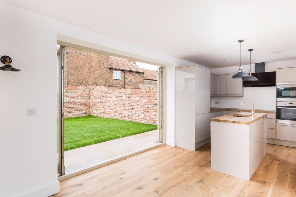 3 Bedrooms Barn Conversion Character Property for sale in Huntsham Farm, Burlands lane, Upper Poppleton