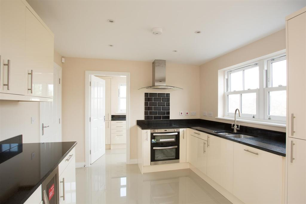 4 Bedrooms Detached House for sale in Prospect Avenue, Off Propect Drive, Tadcaster, York