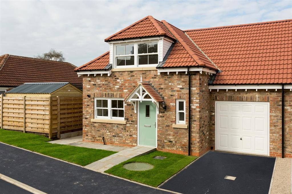3 Bedrooms Semi Detached House for sale in Prospect Avenue, Off Propect Drive, Tadcaster, York