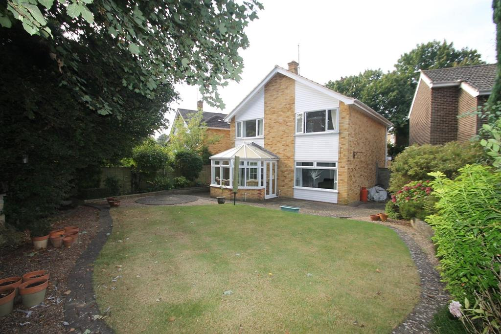 4 Bedrooms Detached House for sale in Milford Close, Maidstone
