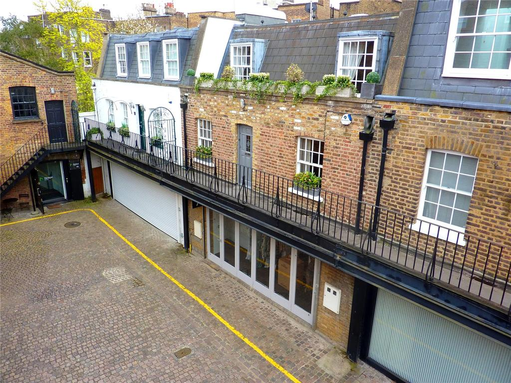 2 Bedrooms Mews House for sale in Ledbury Mews North, Notting Hill, London, W11