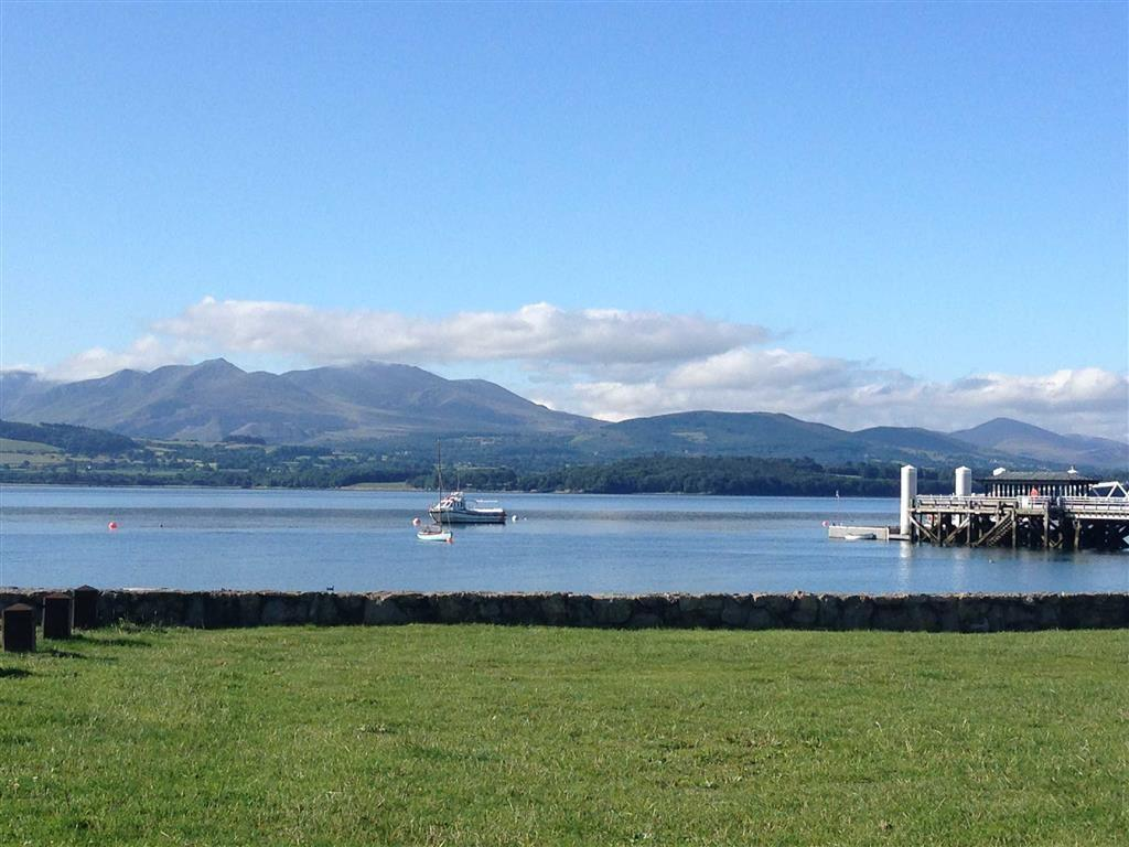 2 Bedrooms Apartment Flat for sale in Victoria Terrace, Beaumaris, Anglesey