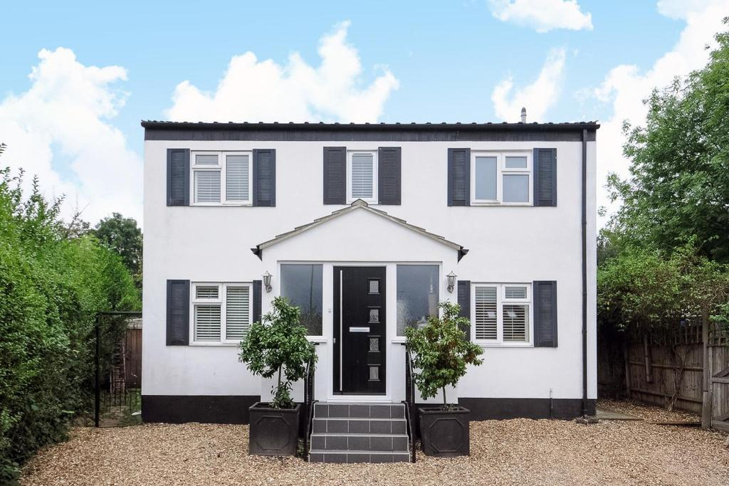 3 Bedrooms Detached House for sale in Highfield Drive, Bromley, BR2