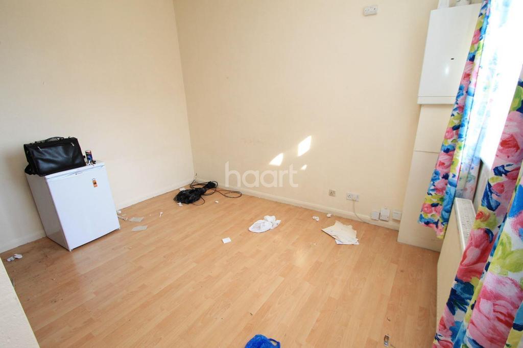 1 Bedroom Flat for sale in Flat 3, 684 Cranbrook Road