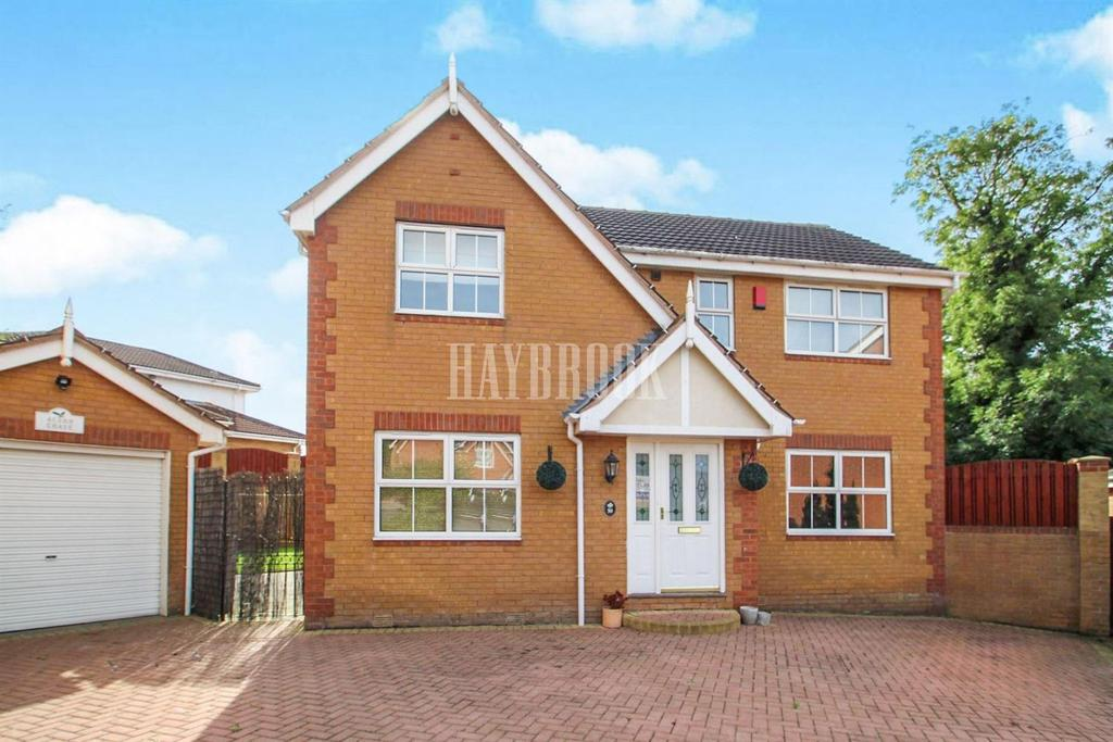 4 Bedrooms Detached House for sale in Oaks Farm Drive, Darton