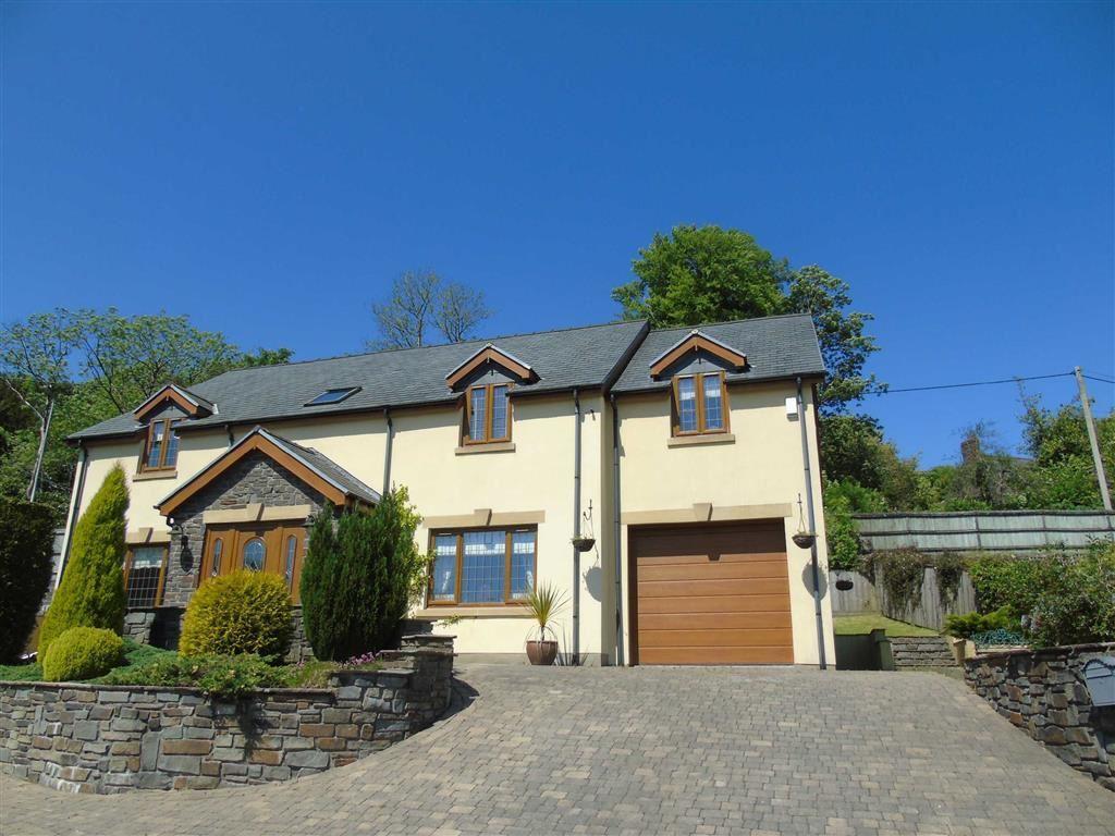 4 Bedrooms Detached House for sale in Bracken House, Llannon, Llanelli