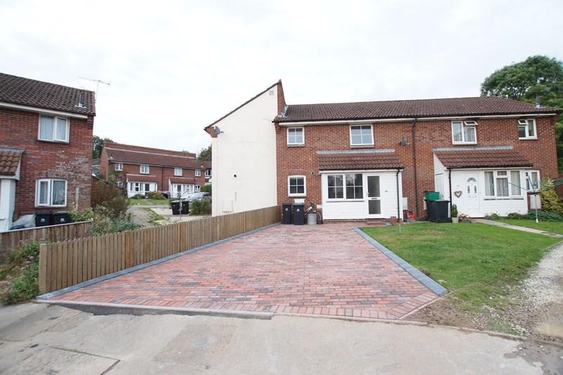 1 Bedroom Terraced House for sale in Jubilee Way, Blandford Forum