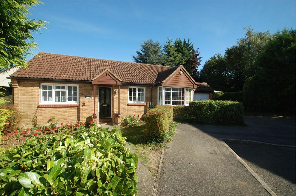 3 Bedrooms Detached Bungalow for sale in Setford Road, Lordswood, Kent