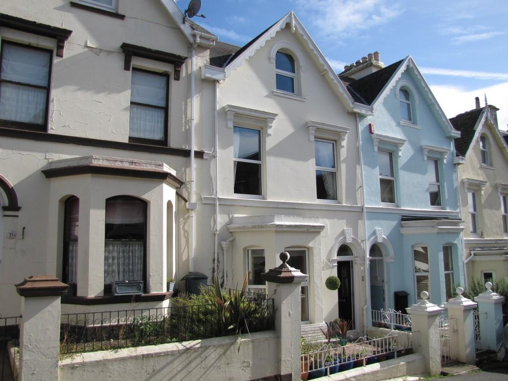 4 Bedrooms Terraced House for sale in Gloucester Road, Teignmouth TQ14 9HN