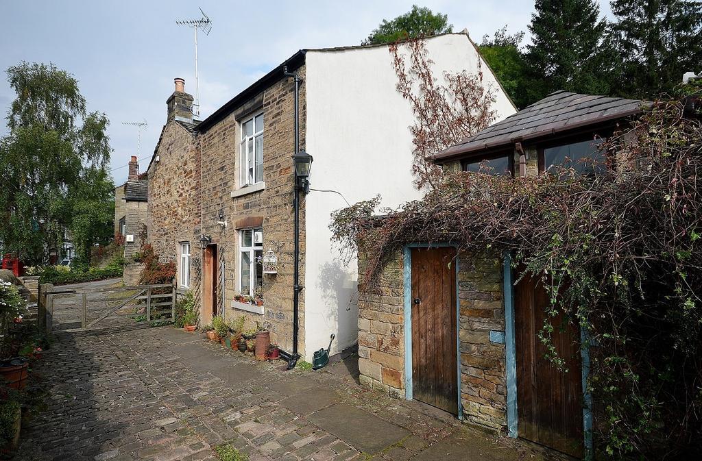 3 Bedrooms Semi Detached House for sale in Lower Fold, Marple Bridge