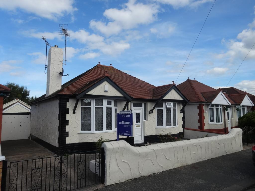 2 Bedrooms Detached Bungalow for sale in Clifton Park Road, Rhyl