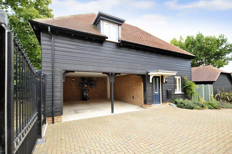 2 Bedrooms Detached House for sale in Hammond Close, Worthing