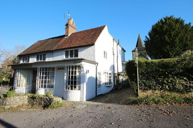 3 Bedrooms Semi Detached House for sale in The Street, Ewhurst