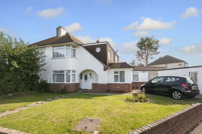 5 Bedrooms Semi Detached House for sale in Monks Avenue, Lancing