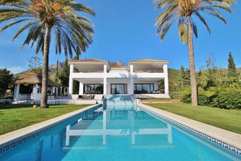 9 bedroom detached house - Sierra Blanca, Andalucia, Spain