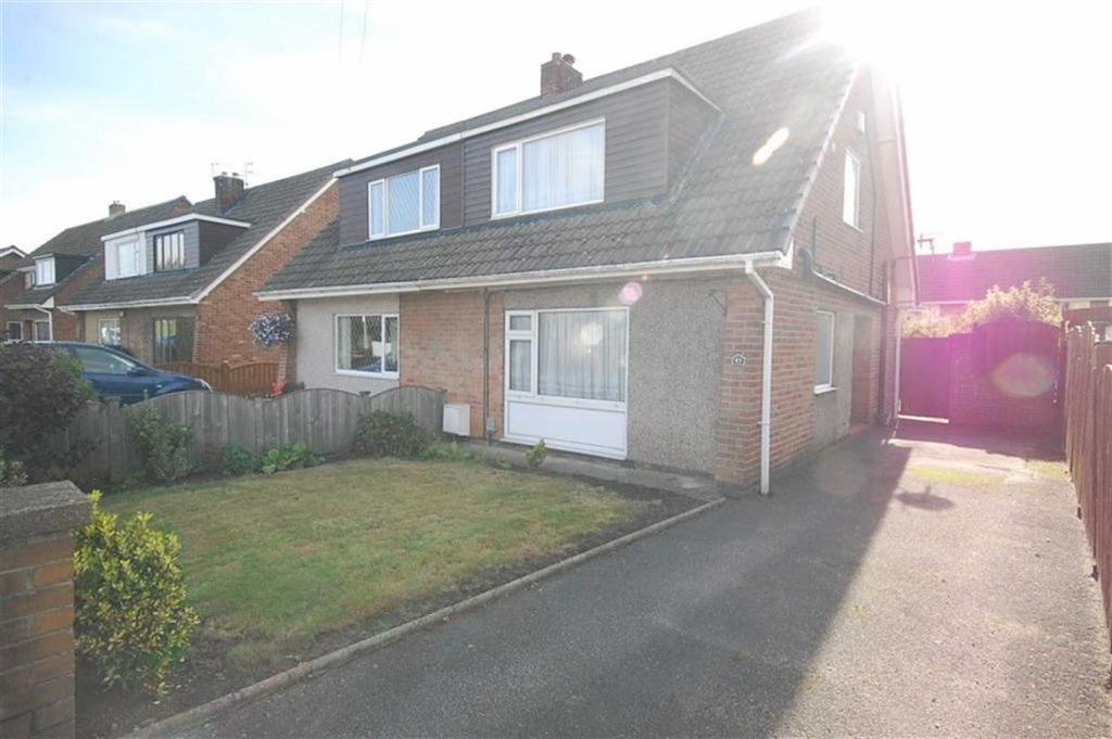 3 Bedrooms Semi Detached House for sale in Water Royd Avenue, Mirfield, WF14