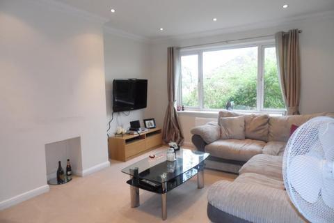2 bedroom maisonette to rent - Bisley Close, Worcester Park, Surrey, KT4