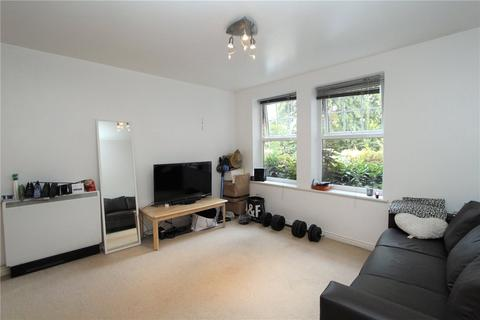 1 bedroom flat to rent - Tignel Court, Boddington Gardens, London, W3