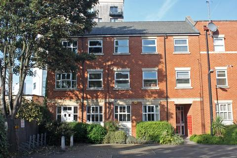 2 bedroom flat to rent - Barkham Mews, Queens Road, Reading, Berkshire, RG1
