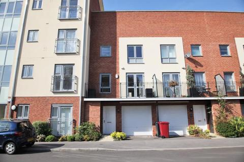 3 bedroom terraced house to rent - Battle Square, Reading, Berkshire, RG30