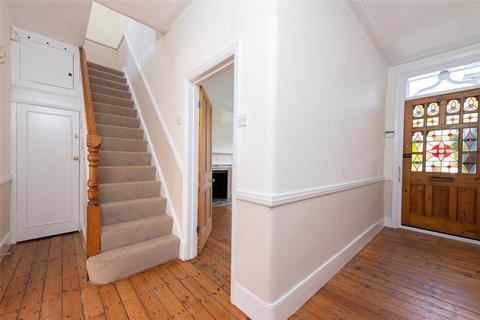 3 bedroom terraced house to rent - Trentham Street, London, SW18