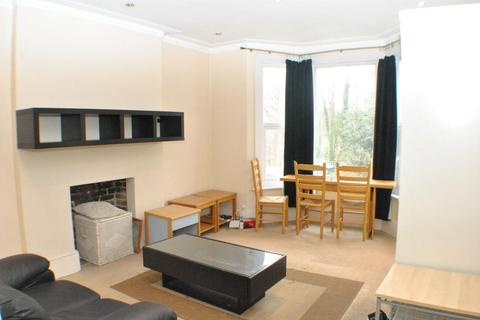 2 bedroom flat to rent - Canterbury Grove, London, SE27