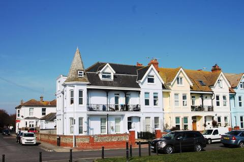 Studio to rent - New Parade, Worthing, West Sussex, BN11