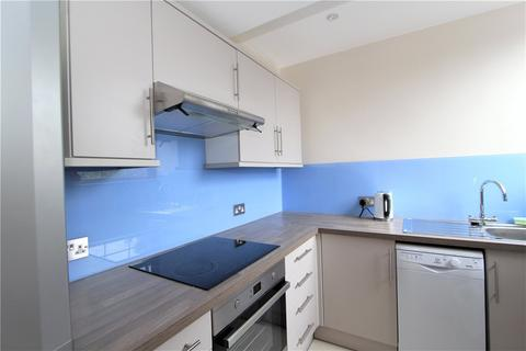 Studio to rent - Woodville Gardens, Ealing, London, W5
