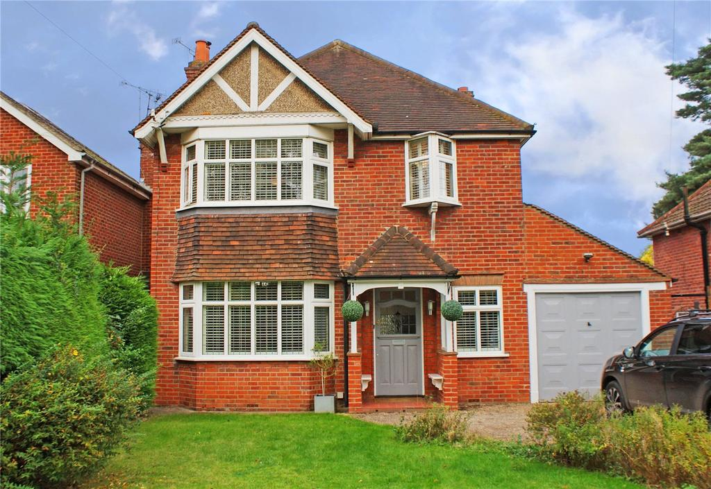 4 Bedrooms Detached House for rent in Grosvenor Rd, Caversham, Reading, Berks, RG4