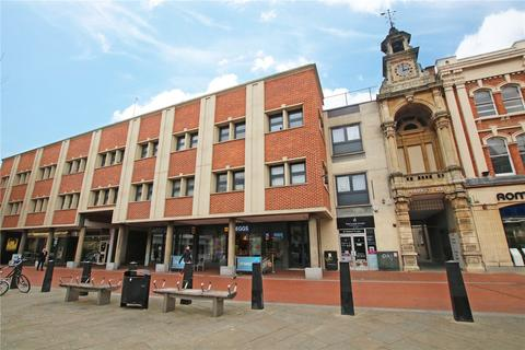 Studio to rent - Market Place, Reading, Berkshire, RG1