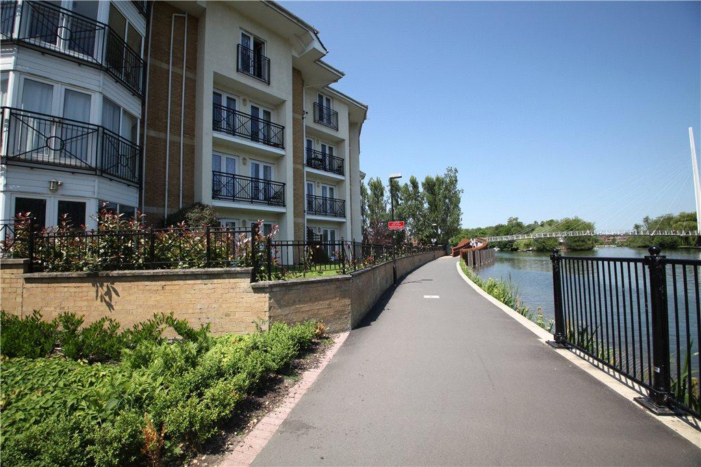 2 Bedrooms Flat for rent in Thames Court, Norman Place, Reading, Berkshire, RG1