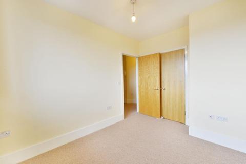 2 bedroom apartment to rent - Wyndhams Court, 32 Celandine Drive, London, E8