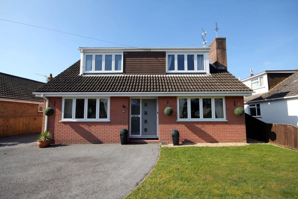 4 Bedrooms Detached House for rent in Smugglers Lane North, Highcliffe, Dorset, BH23