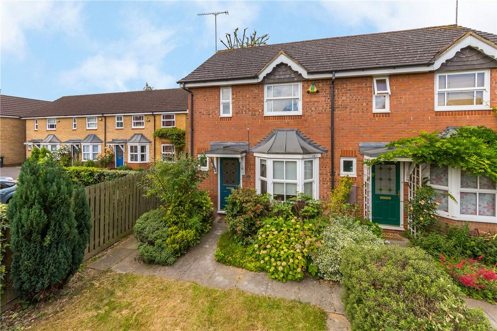 2 Bedrooms End Of Terrace House for sale in Cairns Close, St. Albans, Hertfordshire