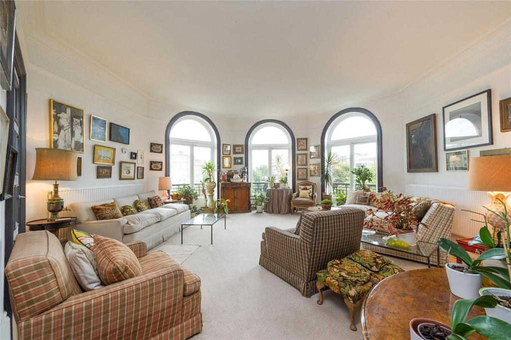 4 Bedrooms Flat for sale in Neville Court, Abbey Road, London