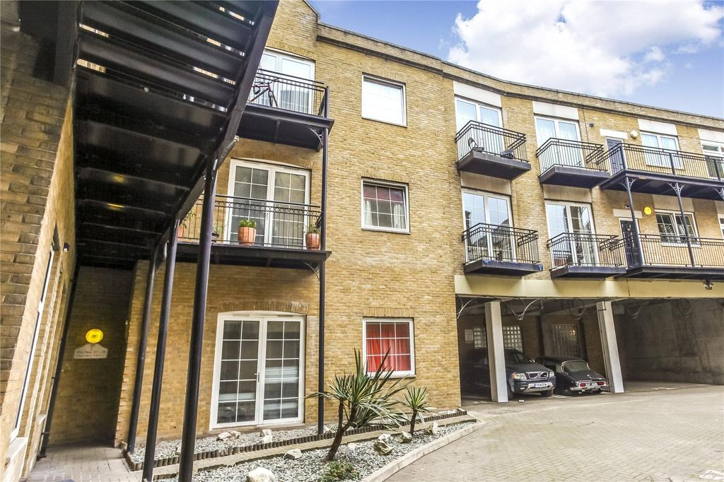 2 Bedrooms Flat for sale in Oxford Drive, London Bridge, London