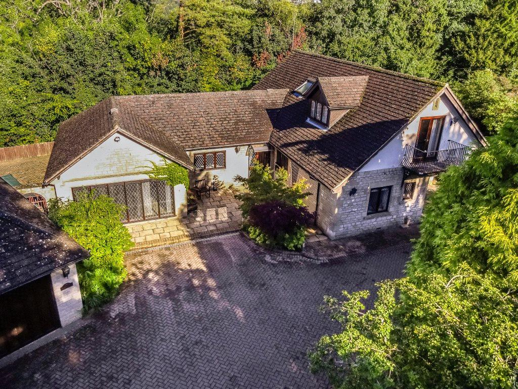 5 Bedrooms Detached House for sale in Bussage, Stroud, Gloucestershire, GL6