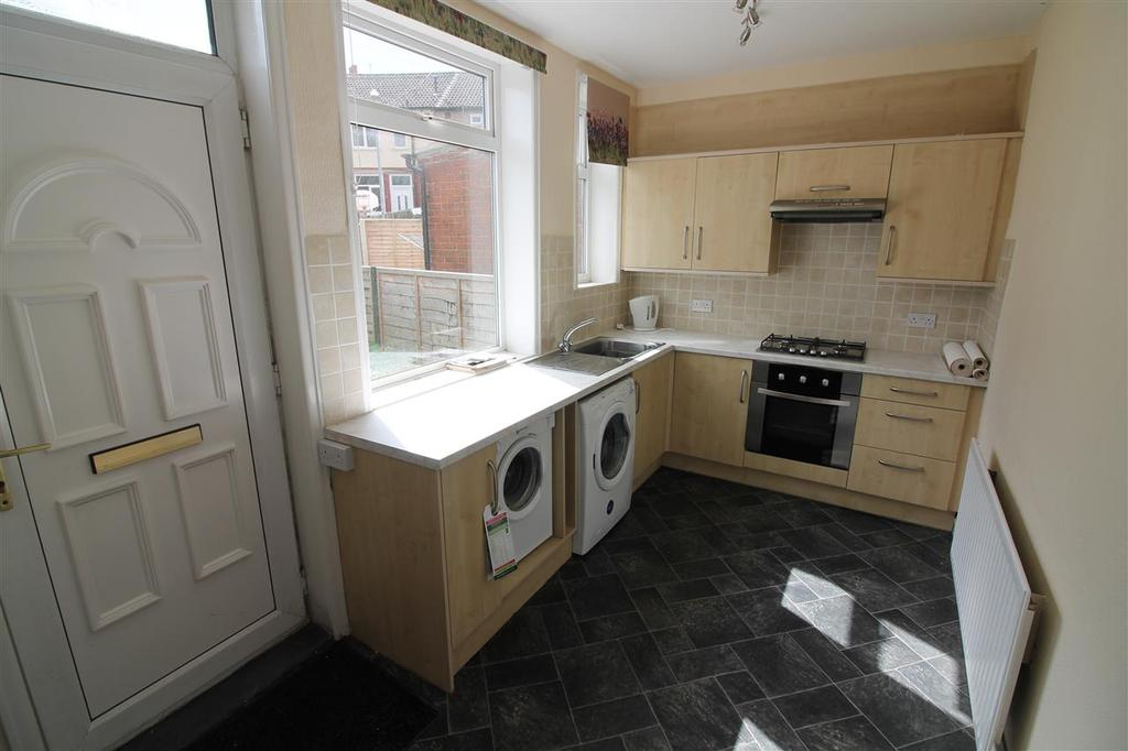 2 Bedrooms Town House for sale in Stocks Avenue, Mytholmroyd